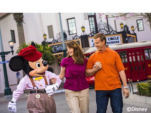 ディズニー・カルフォルニア・アドベンチャー・パーク ミッキーとミニー(C)Disney