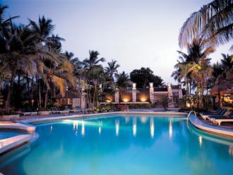 プール/バリ・マンディラホテル&スパ  バリ島(インドネシア)