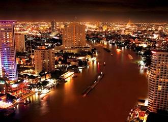 チャオプラヤ川の夜景(イメージ)