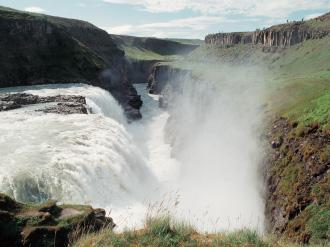 グトルフォスの滝 イメージ